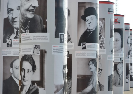 a special exhibition is lining the streets of Berlin reminding everyone of the Nazis rise to power 80 years ago. These Pillars show the faces and tell the stories of those people who dared to disagree. many where artists, actors, journalist, but some where just brave citizens of Berlin